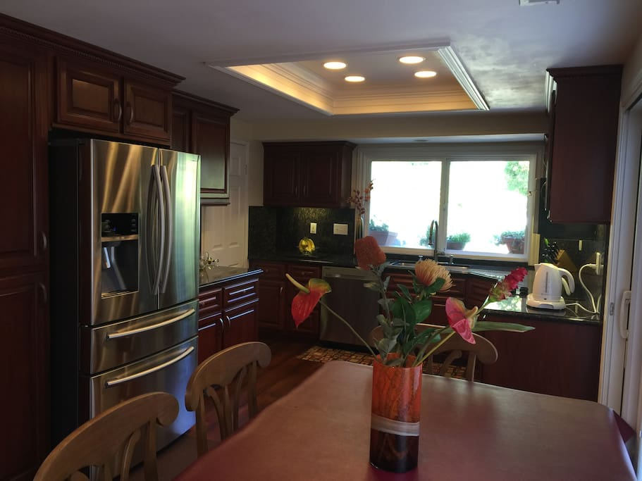 Good Size Clean And Quiet Ground Floor Bedroom Bed Breakfasts For Rent In Mission Viejo