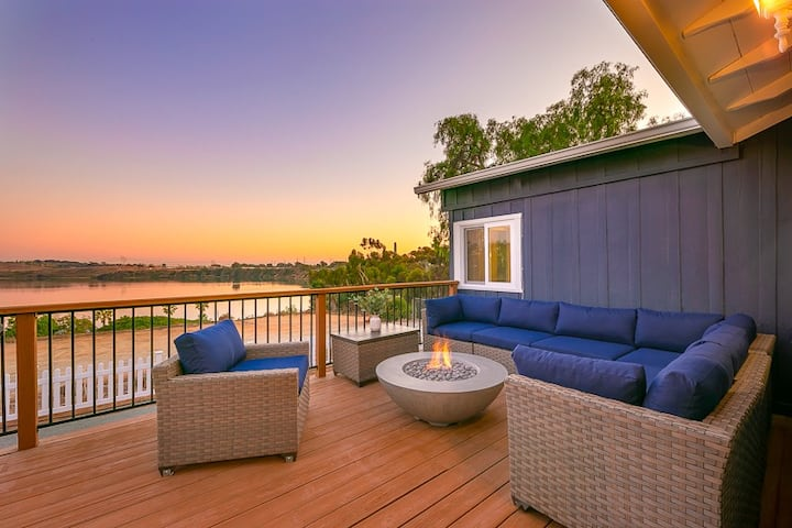 Amazing Location + Home, Lagoon Views + Close to All!