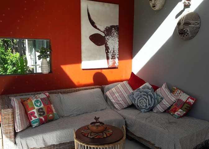 A Pefect Place to 'See the City' & Relax in Style - Randburg - Rumah