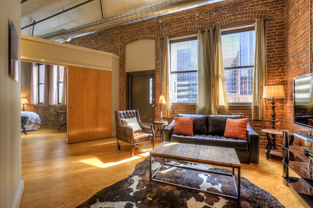 Downtown location king george by music city loft lofts Two bedroom suites in downtown nashville tn
