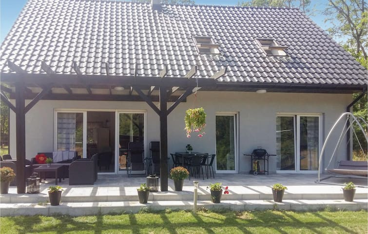 Holiday cottage with 3 bedrooms on 135m² in Nowe Warpno