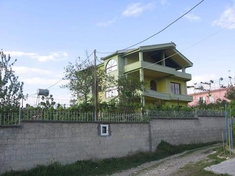Kuçovë House
