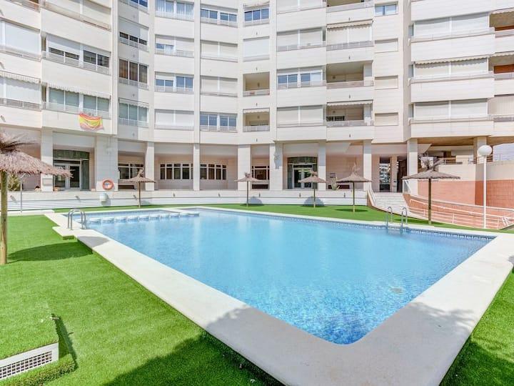 Sun, Beach & Pool Family Apartment