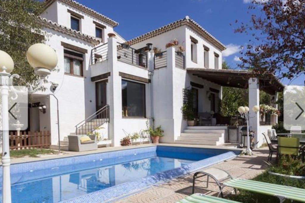 Villa fant stica para disfrutar maisons louer olmeda for Olmeda de las fuentes casas