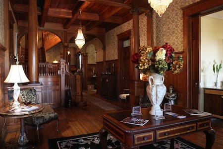 Edwardian Inn - John Hanks Alexander Room - Helena-West Helena - Bed & Breakfast