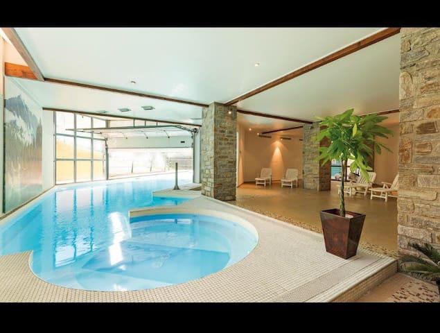 Appartement 2 ch , terrasse, piscine et parking