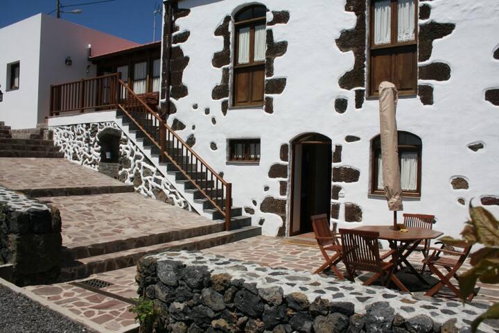 """Casa Rural con encanto El Hierro """"Abuelito Julian"""" - Isora - Hus"""