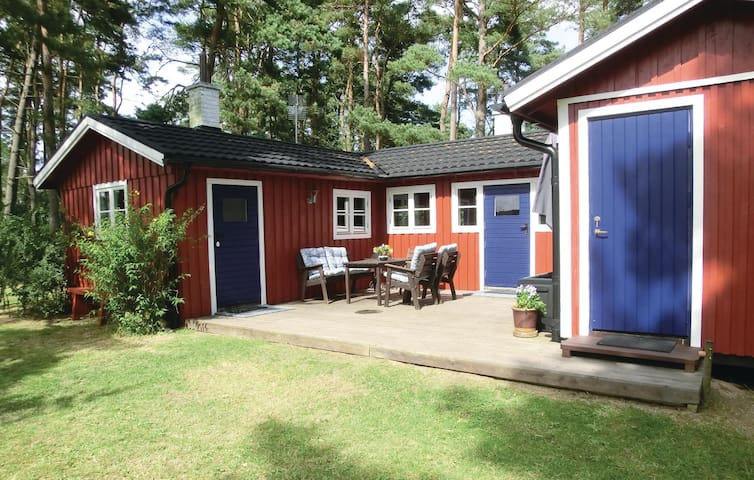 Holiday cottage with 2 bedrooms on 48m² in Simrishamn