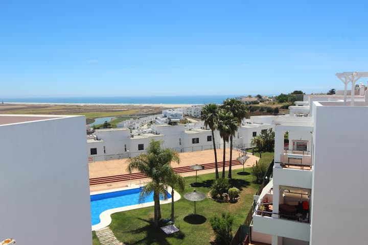 Ap. Playas de Conil  - Luxury apartment with incredible roof terrace with sea views and communal pool