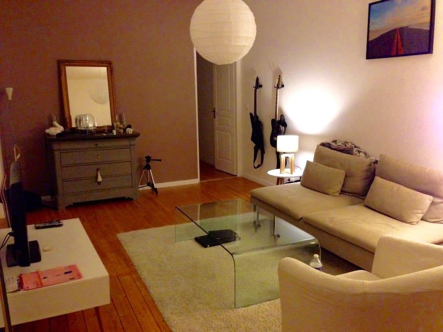 chambre dans appartement de charme apartments for rent in pontarlier bourgogne franche comt. Black Bedroom Furniture Sets. Home Design Ideas