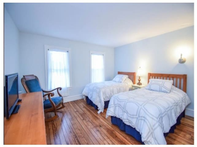 Bierstadt features 2 twin beds and a private bathroom