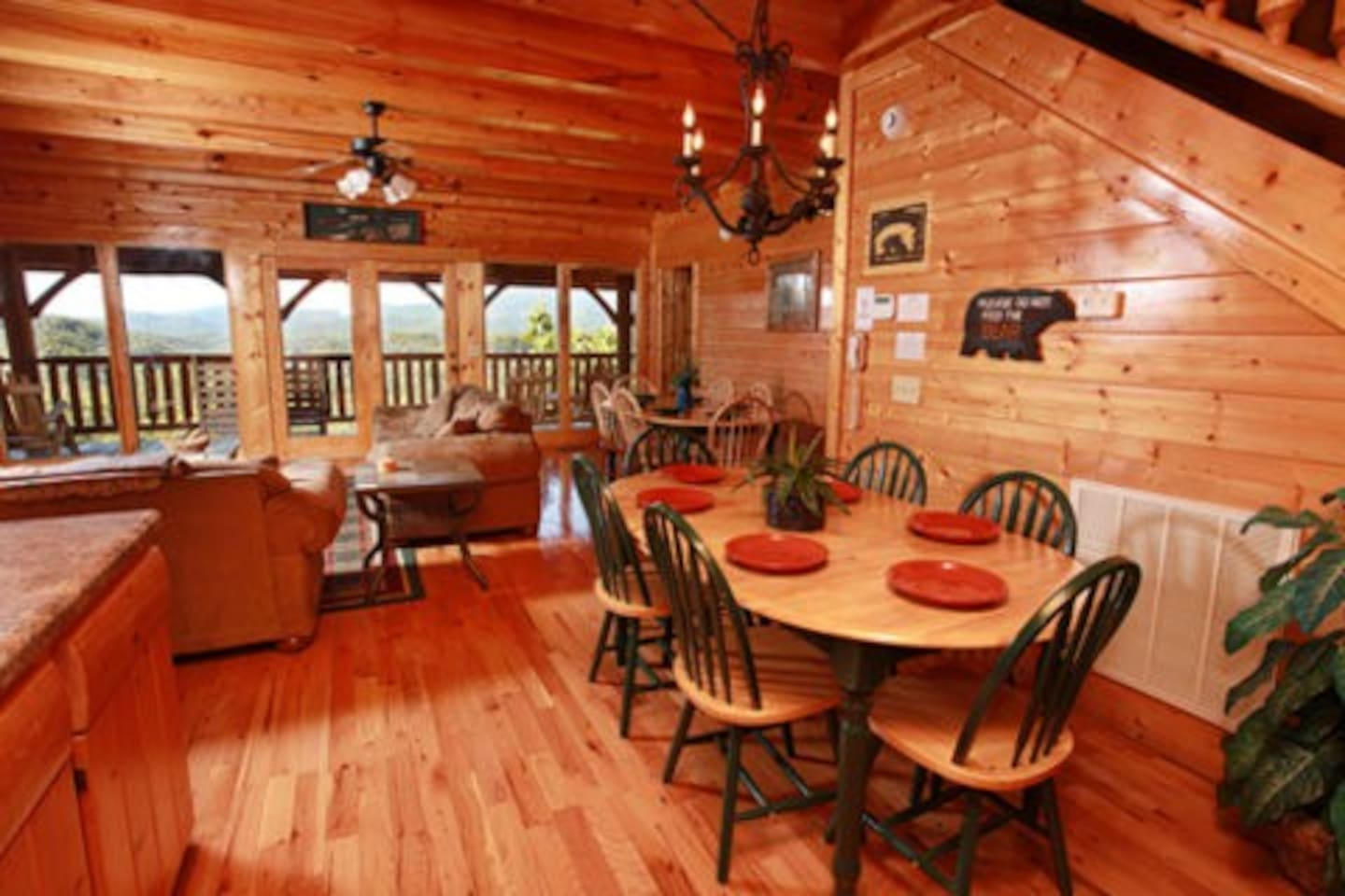 Hullabaloo Cabins for Rent in Sevierville Tennessee United States. Hullabaloo 4 Br Cabin By Redawning In Pigeon Forge   penncoremedia com