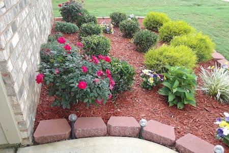 Modern Tranquility Garden at Hampton