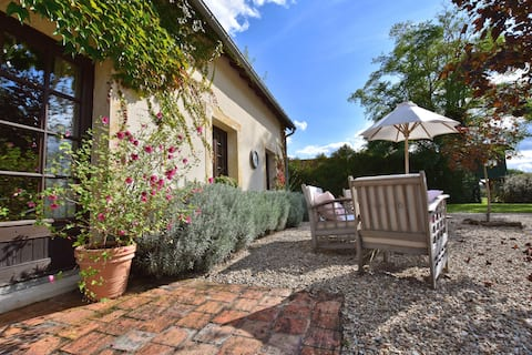Stylish Holiday Home in Le Châtelet with Private Pool