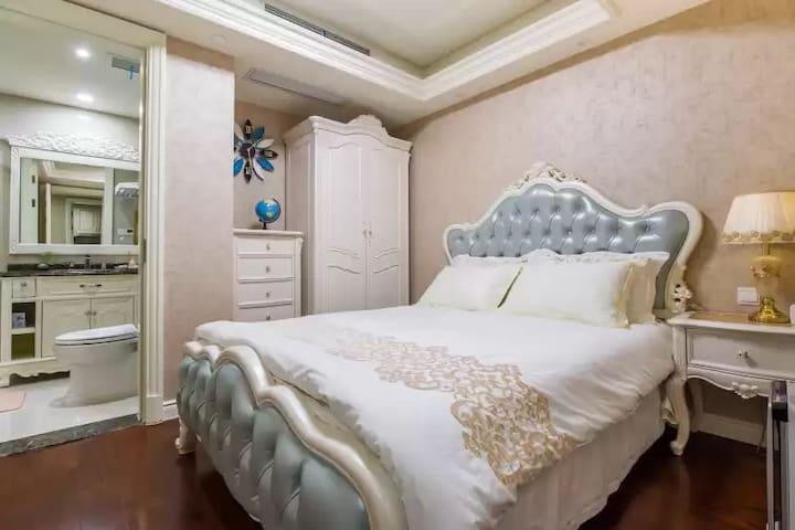 【Ace House】苏州地标东方之门/地铁直达/金鸡湖畔&200米空中新苏式生活/短租月租长租均可