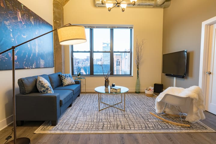 Exclusive 3 Bdrm on Michigan Ave   Cirro by Cloud9
