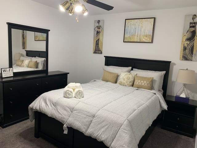 New and clean room in a quiet neighborhood