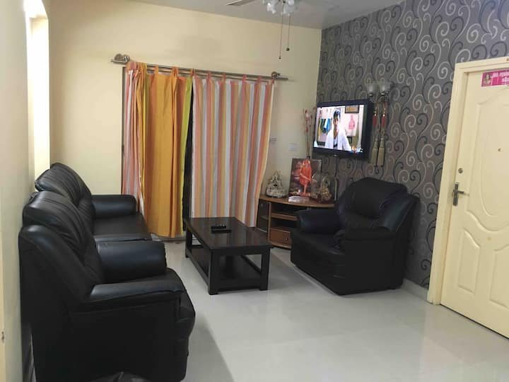 1 Room w/ King Bed @2BHK apartment with club house