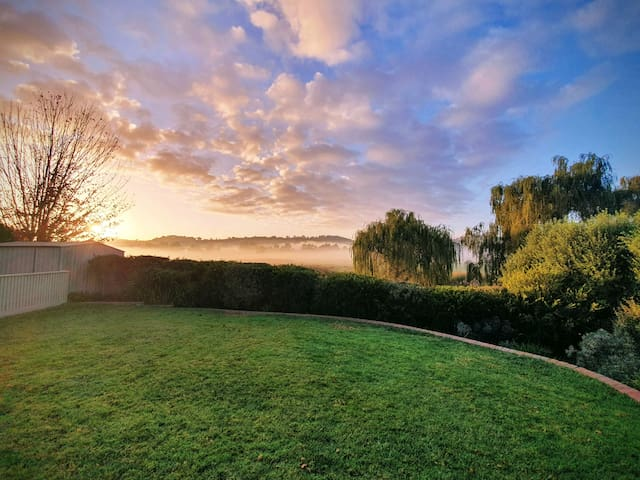 Peaceful Oasis with Yarra Valley Views