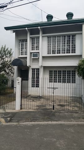 Town House 3 Bedrooms Airconditioned