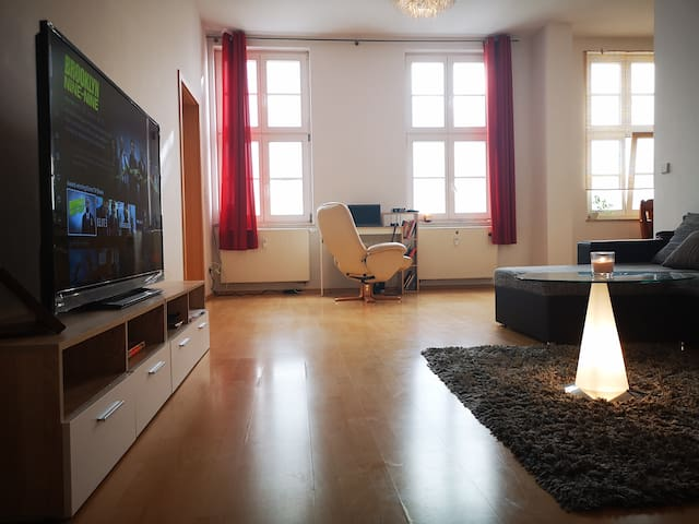 A beautiful sunny central apartment in Leipzig