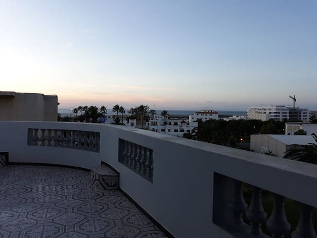 Appartement charmant grande terrasse vue océan