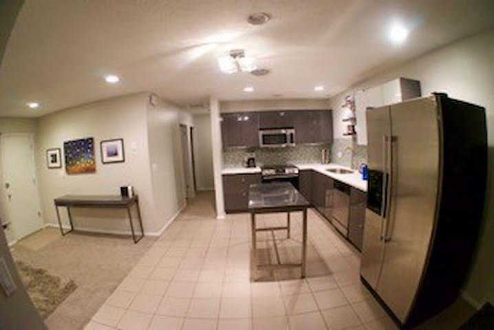 Modern, private space near Salt Lake City - Millcreek