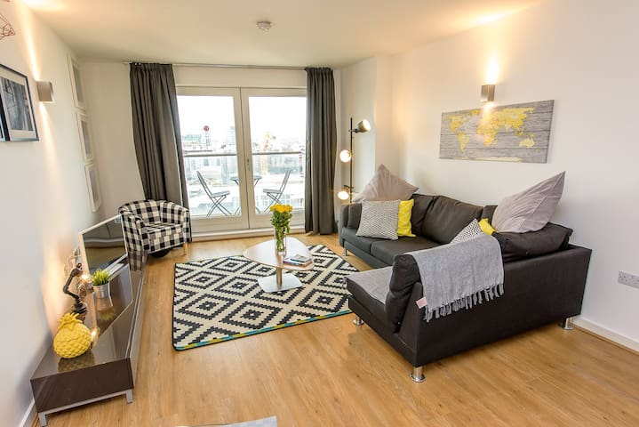 Luxury Two Bedroom Apartment In Central Manchester
