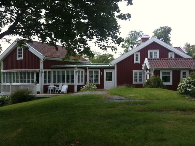 Superb lakeview house near Gothenburg and Alingsås - Lerum N