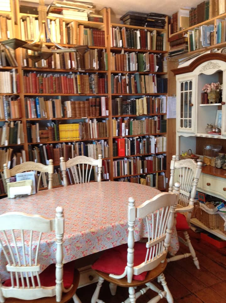 Booklover's Bed and Breakfast 1