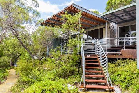 Sensational Satinay Villa 633.
