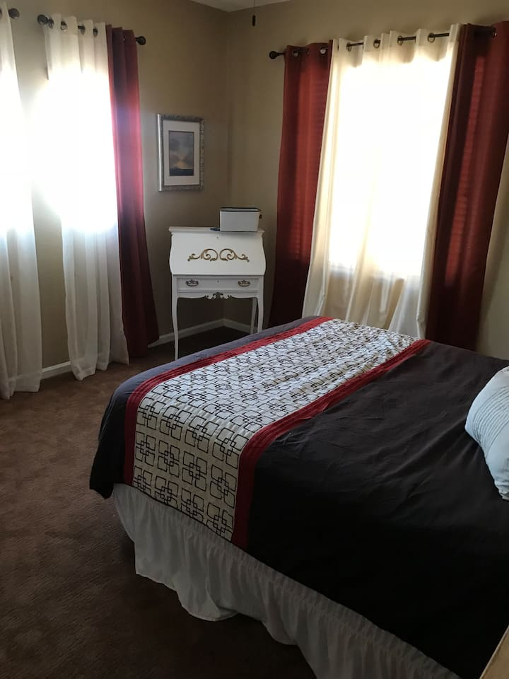 Room in Great House in Mesa