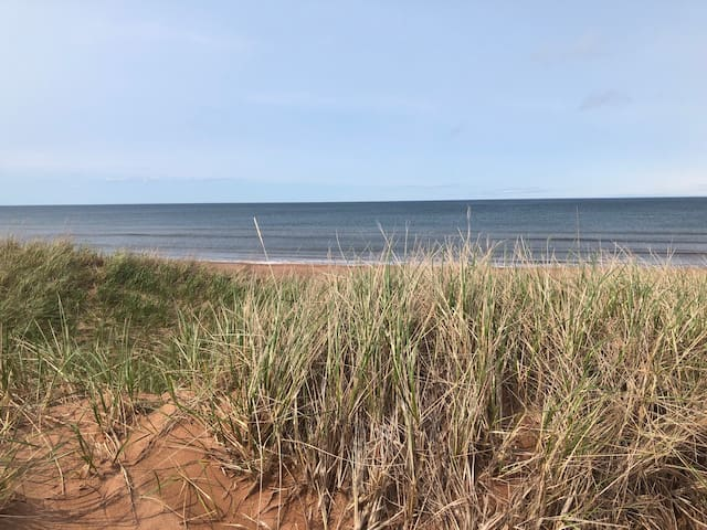 Red Fox Retreat - Cottage Living at Thunder Cove