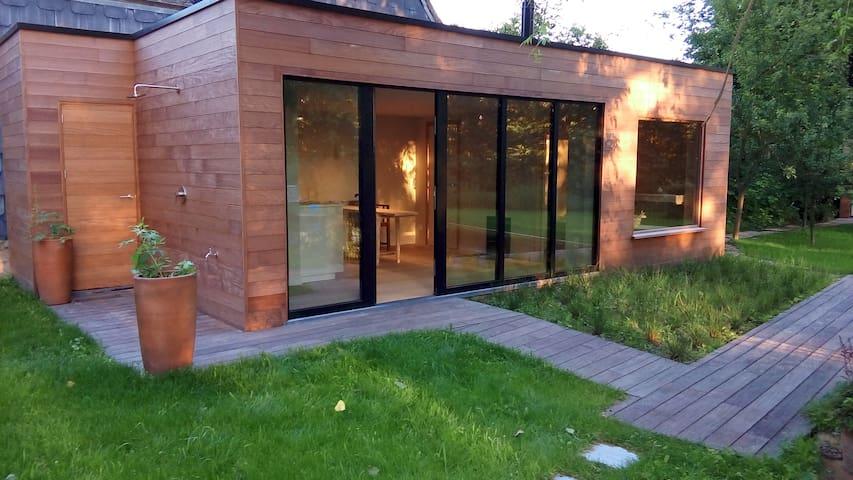 Le-zen: private domain upon a hill - Ronse - Ev