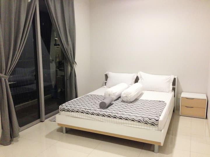 2 BEDROOMS APARTMENT @ THE MANSION KEMAYORAN