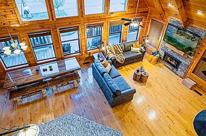 ❤️WOW! Awesome Cabin,Sleeps17,King Beds❤️ SPECIAL $❤️