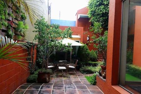 The Suite in Ciudad Satélite, Naucalpan, México