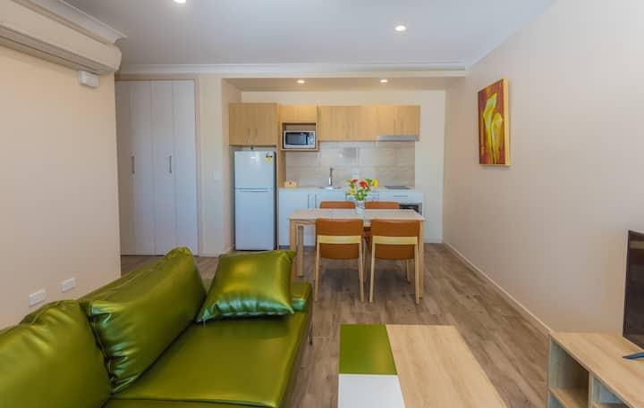 Stylish 2bedroom Penthouse + Studio