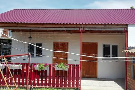 Двухкомнатный домик с уютной террасой