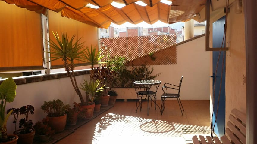 in BCN CITY with terrace for two persons - Barcelona - Apartment