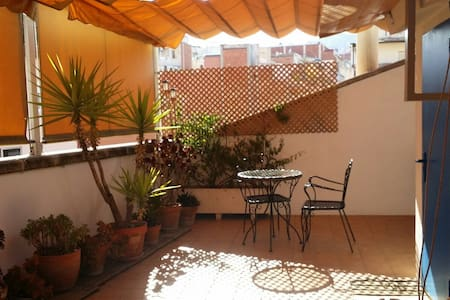 in BCN CITY with terrace for two persons - Barcelona