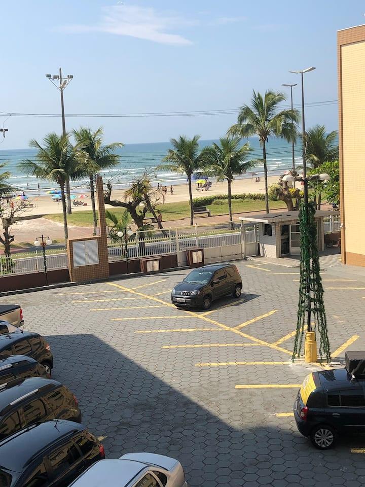 Apartamento inteiro em frente ao mar -Praia Grande