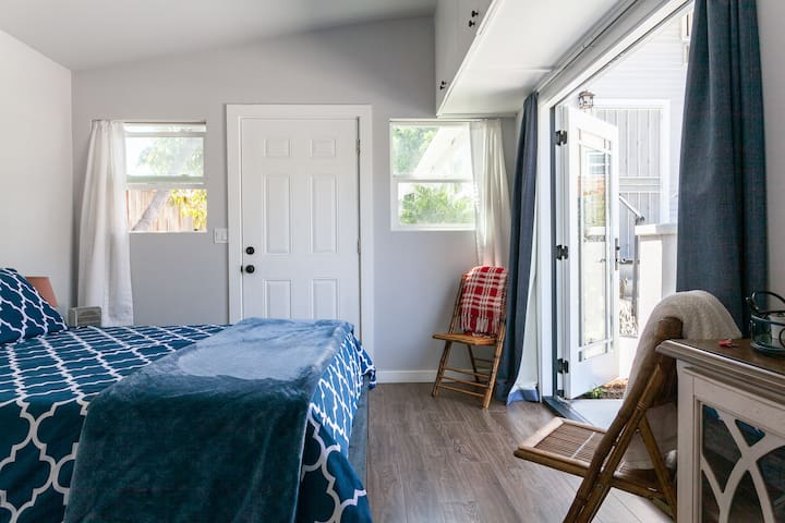 Cozy Private Studio with Best North Park Location