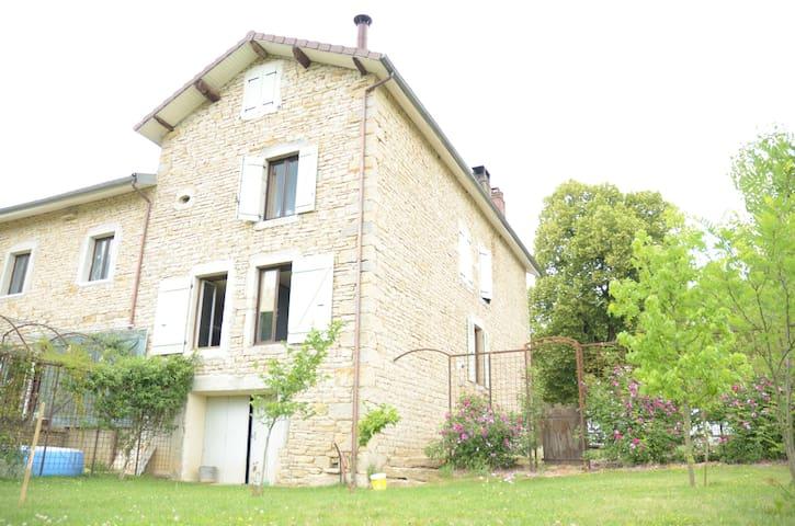 Gîte en Petite Montagne du Jura - Graye-et-Charnay - Byt