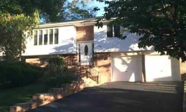 Fully Renovated Home 4BR 3FB Plainview New York