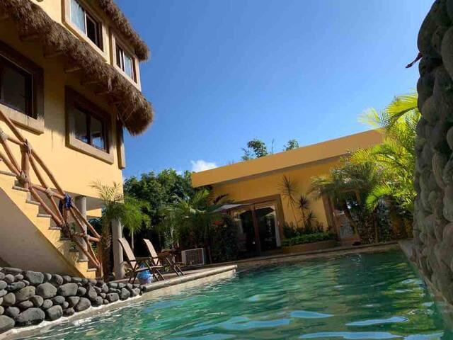 """Casa y Cabaña """"Aloha"""""""
