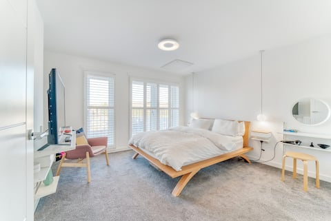 Private Floor of City Centre Townhouse