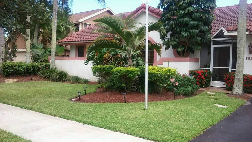 Beautiful home located west of Ft. Lauderdale - Cooper City