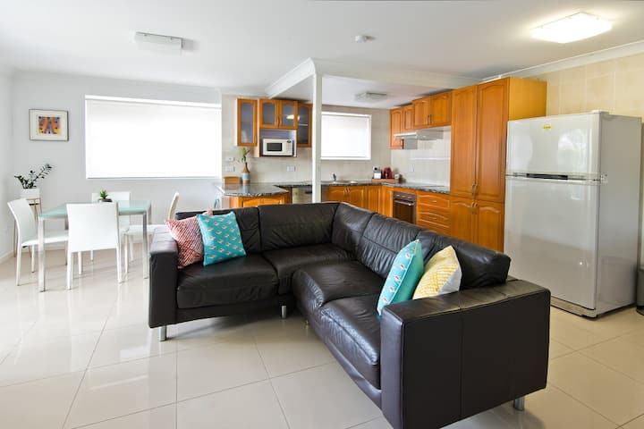 Wynnum Bayside Apartments:  Unit 4 - 1 bedroom