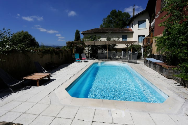 house 6 beds with swimming pool and mountain view